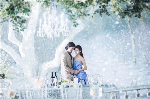 在拍摄婚纱照是怎样让新郎积极一些